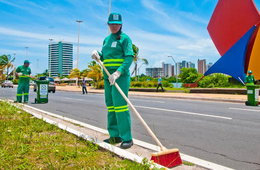 Limpeza urbana em São Luis - MA.